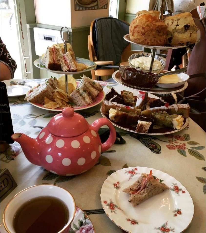 Lilli\'s Tearoom & Cakery | Market Deeping | Special Occasion Cake ...